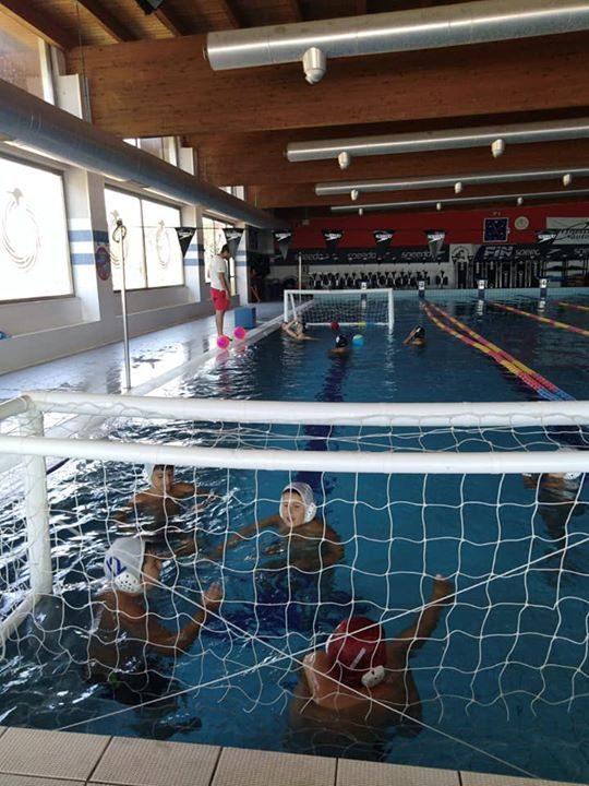 Anche oggi giornata dedicata alla scuola nuoto Chi si ferma é e noi non…